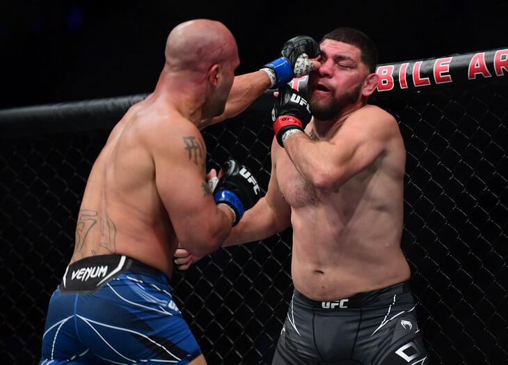 😔 Возвращение Ника Диаза в UFC – грусть. Бой-реванш с Лоулером вернул фанатов в 2004-й, но закончился странным нокаутом