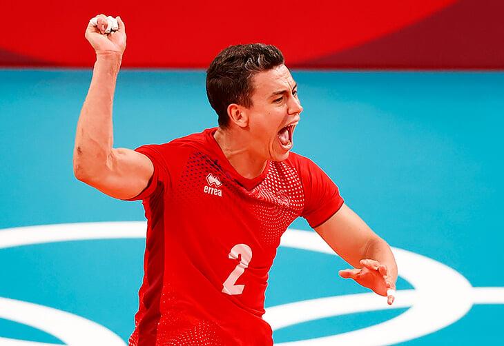 В финале Олимпиады против нас играет француз Женя Гребенников. Всю карьеру мечтал о России и фанатеет от Зидана