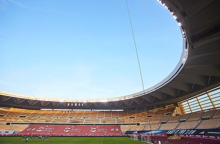 В Испании стартует Суперкубок, хотя еще не сыгран финал Кубка. Из четырех участников трофей в прошлом сезоне выиграл только «Реал»