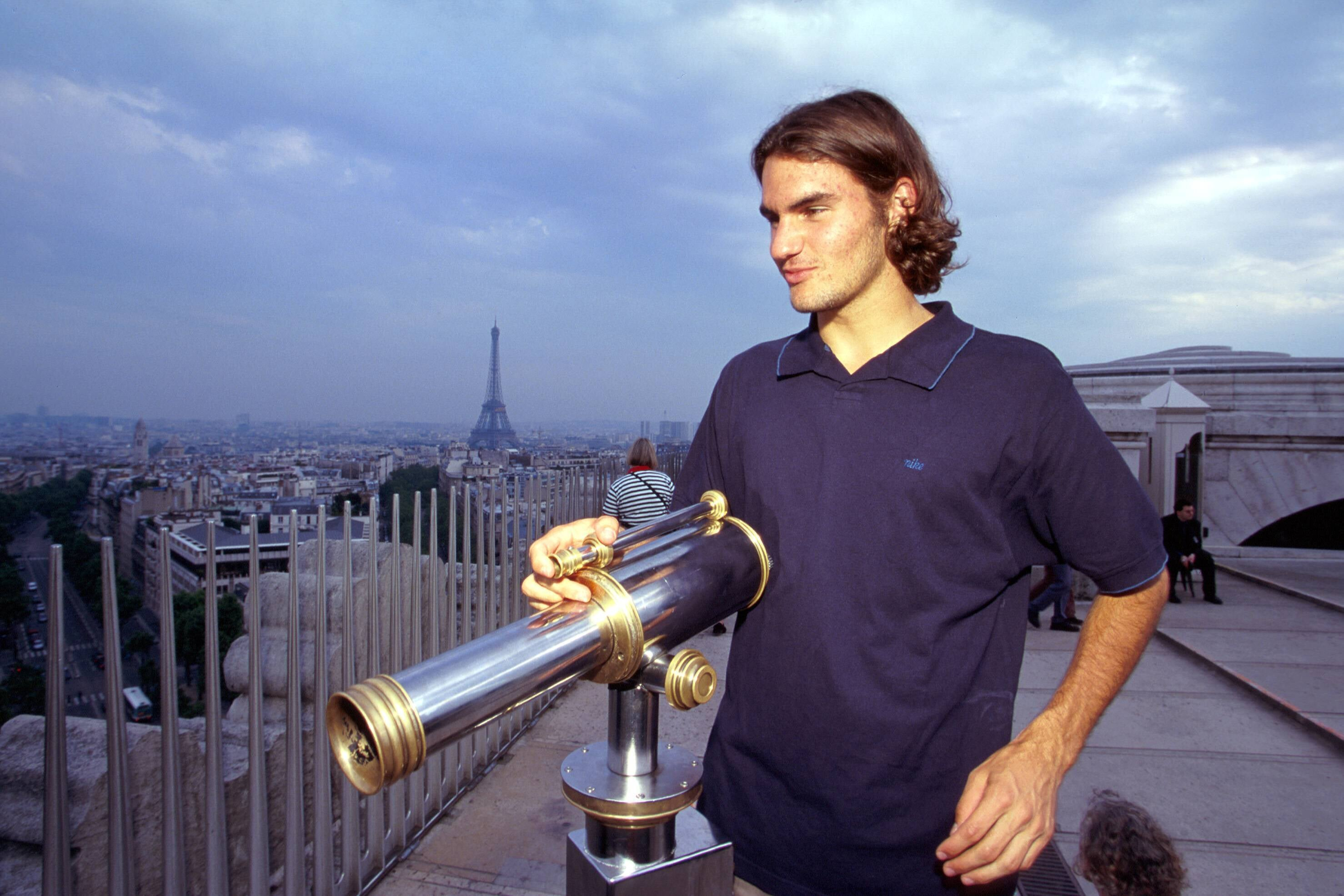 Федерер возвращается и кажется вечным и неизменным. Но 20 лет назад он носил хвост и зеркальные очки
