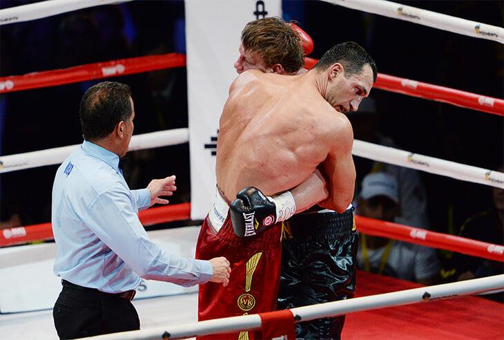 Поветкин подрался с Кличко накануне Евромайдана. Во время боя кричали «Бей петуха!», а итоговые рейтинги были рекордными