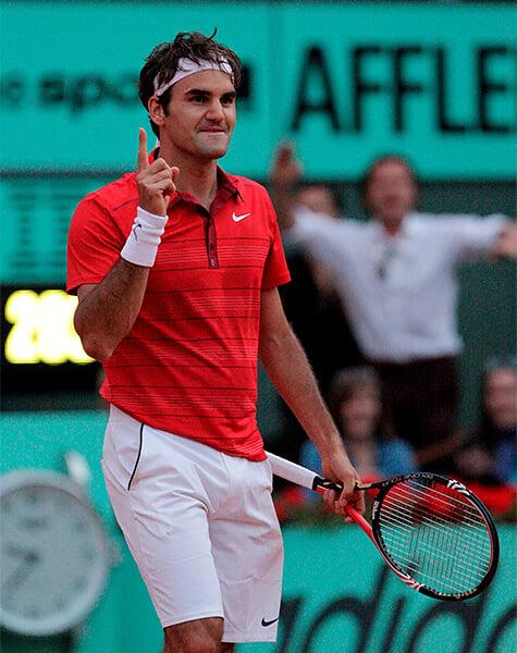 В 2011-м Федерер отсрочил эпоху Джоковича: на «Ролан Гаррос» прервал серию из 41 победы и эпично потряс пальцем