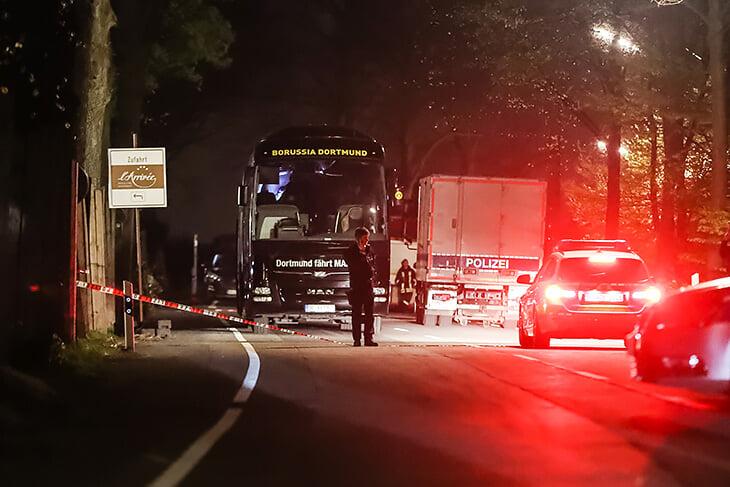 4 года назад возле автобуса «Боруссии» взорвались три бомбы: Бартру ранило, а Тухель после этого разругался с руководством