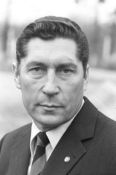 В 1981-м СКА с Гамулой (он носился как Де Брюйне) взял Кубок СССР. Праздновали все лето, а осенью вылетели в Первую лигу 🍾