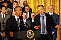 «Первый президент, который использовал слово «понтоваться». Барак Обама зажигает на встречах с чемпионами НБА
