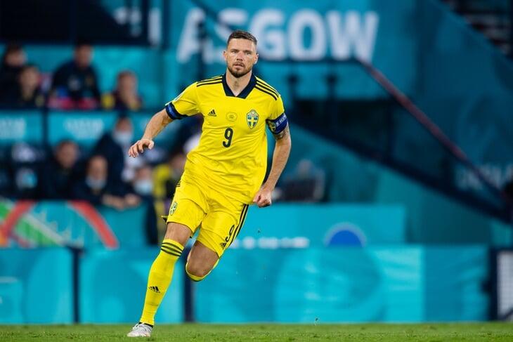 Ругать шведов не за что, Берг поразил самоотдачей: сдерживал Малиновского и в подкате эффектно накрыл удар из штрафной