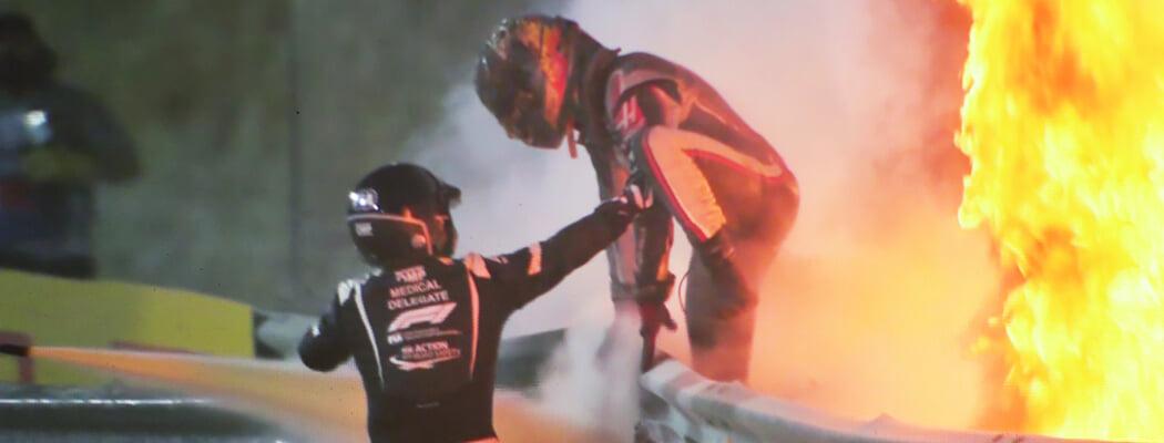 Гонщик «Ф-1» провел в пламени взорвавшегося болида 27 секунд – и уцелел. Его спасли конструкция машины, смелый пожарный и комбинезон