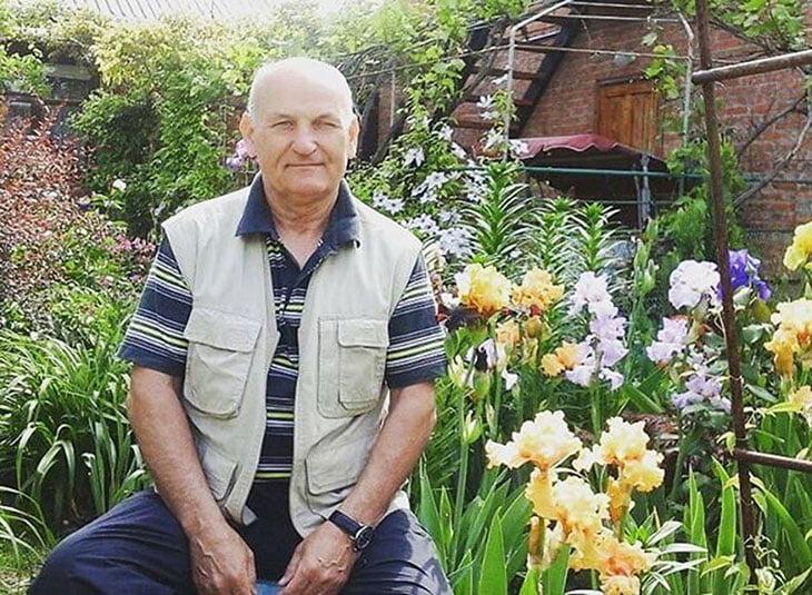 «Нужно хотя бы 70 школ в своем крае обойти». Он нашел Матвея Сафонова на физре и убедил перейти в футбол