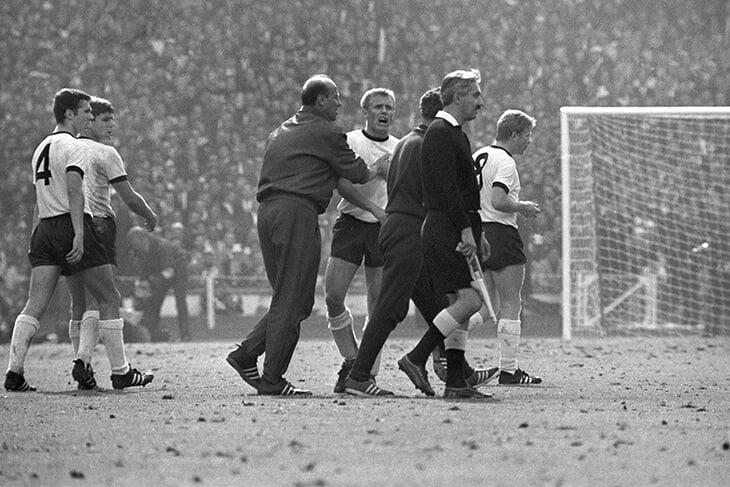 Англия в большом финале впервые с ЧМ-1966! Только посмотрите на этих счастливцев 😍