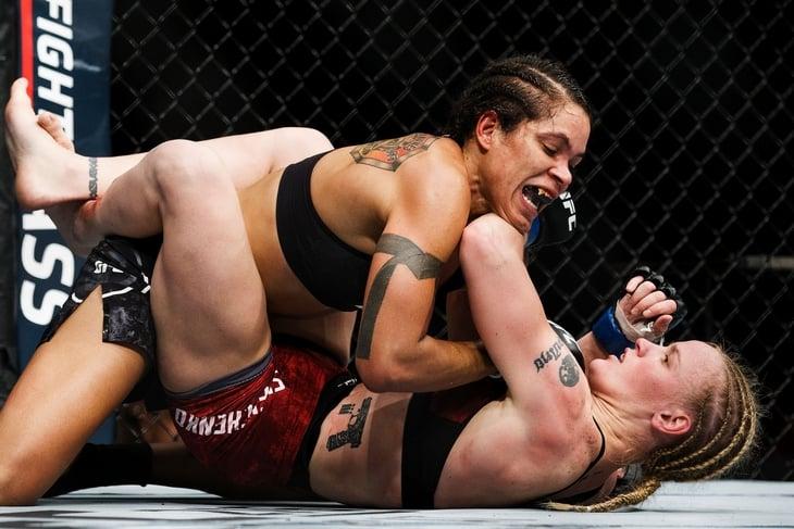 Нуньес зачистила всех чемпионок UFC. Похоже, пора уходить