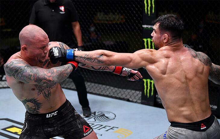 Полутяжелый дивизион UFC расцветает без Джонса. Еще один боец ярко победил и теперь хочет титульник