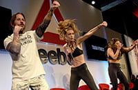 Рассказываем историю Reebok. Они одевают бойцов UFC и звезд кроссфита, а поднялись на аэробике