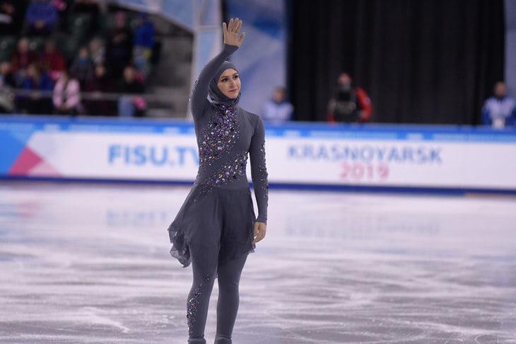 «Загитова – кумир всех мусульман». Фигуристка из ОАЭ вышла на лед в хиджабе