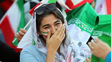 В Иране женщин пустили на стадион впервые за 40 лет
