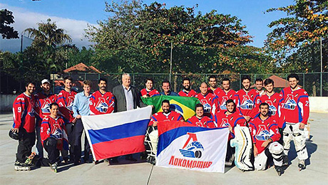 «Lokomotiv» – круто звучит по-португальски: здесь и безумие, и мотив». Как бразильский хоккей связан с Россией