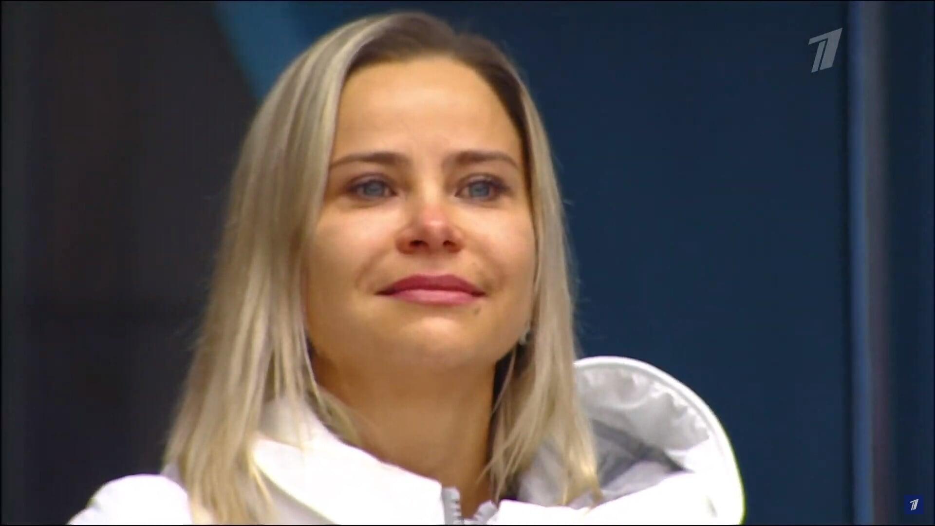 Эмоции Таракановой, которая перезапускает карьеру после ухода от Тутберидзе и Плющенко: разрыдалась от сильного проката прямо на льду
