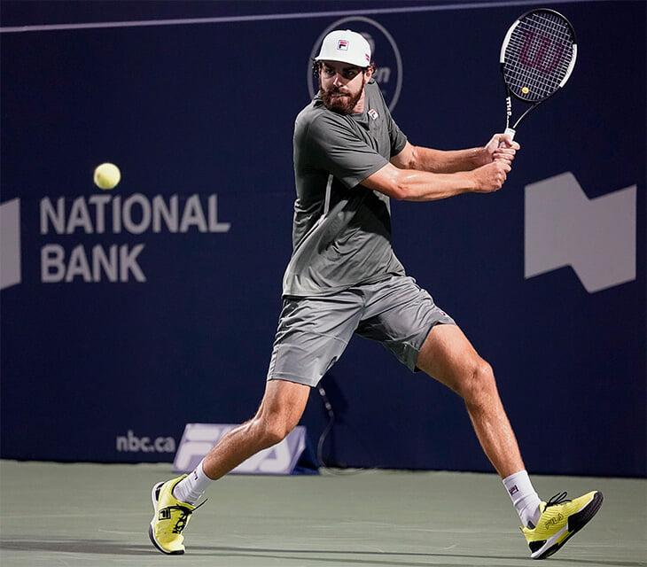 Медведев – в финале «Мастерса» в Торонто. Безжалостно разобрался с Изнером, который играл без устрашающей подачи