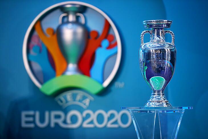 Еще немного, и билеты на Евро не сдать, даже если матч перенесут в другой город. Но можно успеть