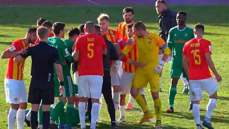 Гогниев взбесился после поражения от «Томи»: ударил судью в живот и теперь рискует остаться без футбола на 2 года