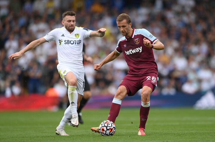 Английский футбол все ближе к запрету букмекеров: названия уберут с футболок, под вопросом даже рекламные щиты и ТВ-ролики