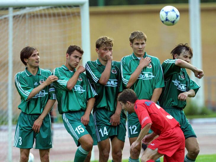 Магия футбольных 2000-х: передряги в армии, выезды в кузове ЗИЛа и поддельные паспорта