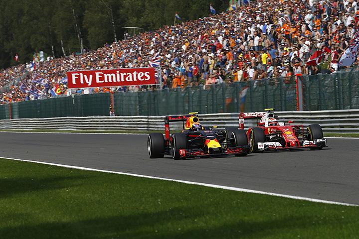 Райкконен иФерстаппен раскритиковали друг дружку после Гран-при Бельгии «Формулы-1»
