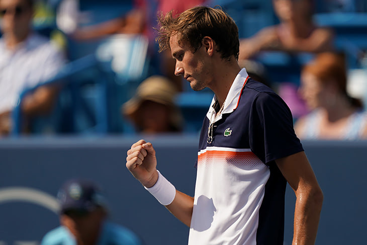 Медведев – наш лучший теннисист за 10 лет. Он ворвался в топ-5 и подает как сумасшедший