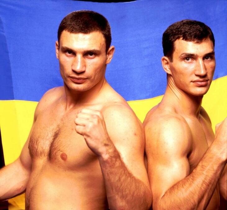 Братья Кличко на службе – это жара! Виталий назвал себя лучшим продуктом Красной армии, а Владимир сбегал из-за маминых котлет