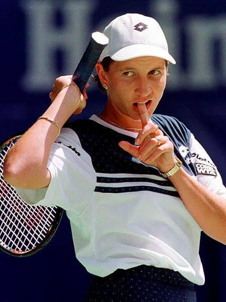 «Думает, что она, мать ее, Винус Уильямс». Главное столкновение женского тенниса 90-х