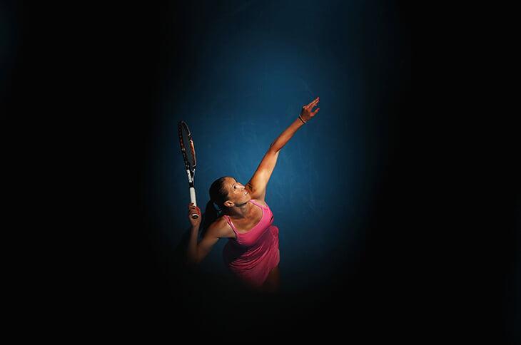 В теннис вернулась Елена Янкович. Когда-то она меняла белье на корте, несла свет и радость и просила не снимать задницу