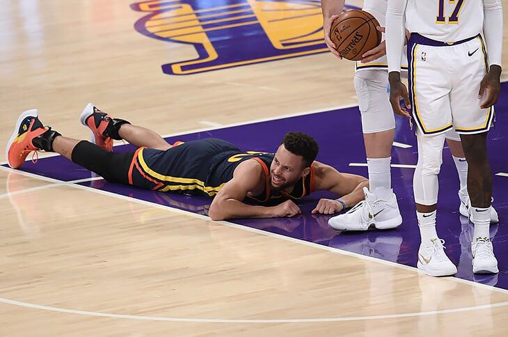 В НБА открыли новый чит-код. Оказывается, можно лупить защитников локтями и при этом зарабатывать штрафные