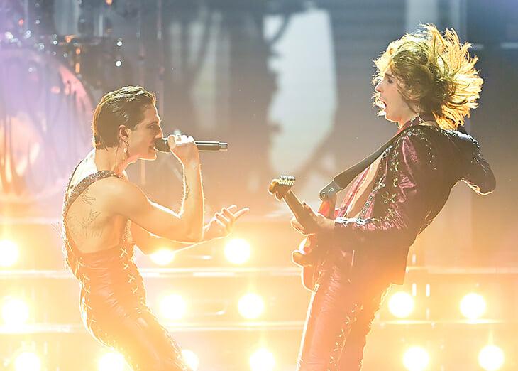 Солист-победитель Евровидения – фанат «Ромы» и Тотти, а его гитарист болеет за «Лацио». Странно, но они из-за этого не ругаются