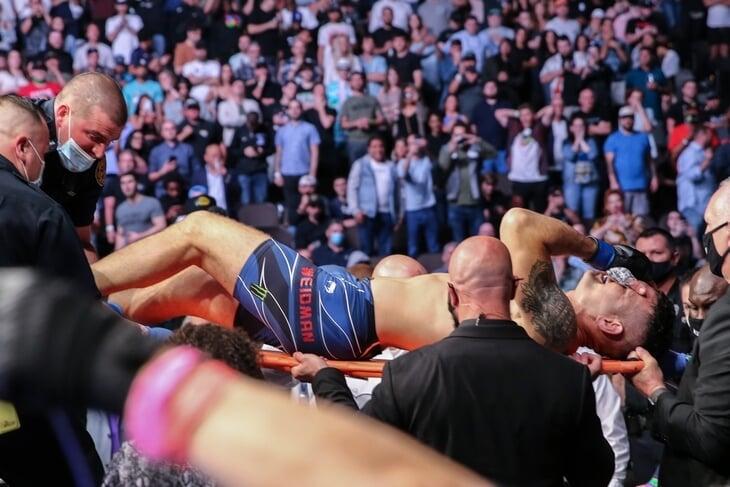 На турнирах UFC больше года не было болельщиков. Теперь они вернулись: целых 15 тысяч фанатов и одна Меган Фокс!