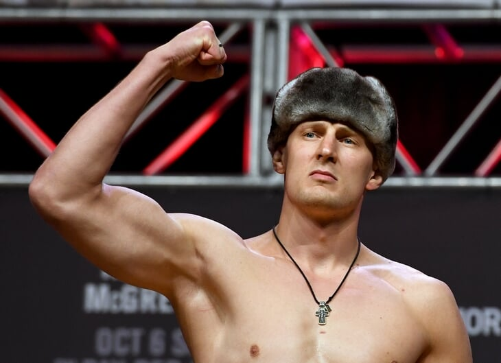 Тот боец с ингалятором едет на UFC в Москву. Теперь он соперник Волкова!