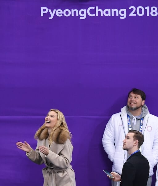 Изучили, как менялся стиль Этери Тутберидзе: от пуховиков сборной России до пальто Louis Vuitton за 330 тысяч