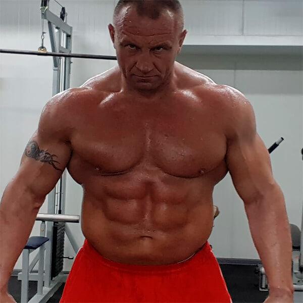 Главные качки в MMA: бывший стронгмен, фрик и топ-бойцы UFC