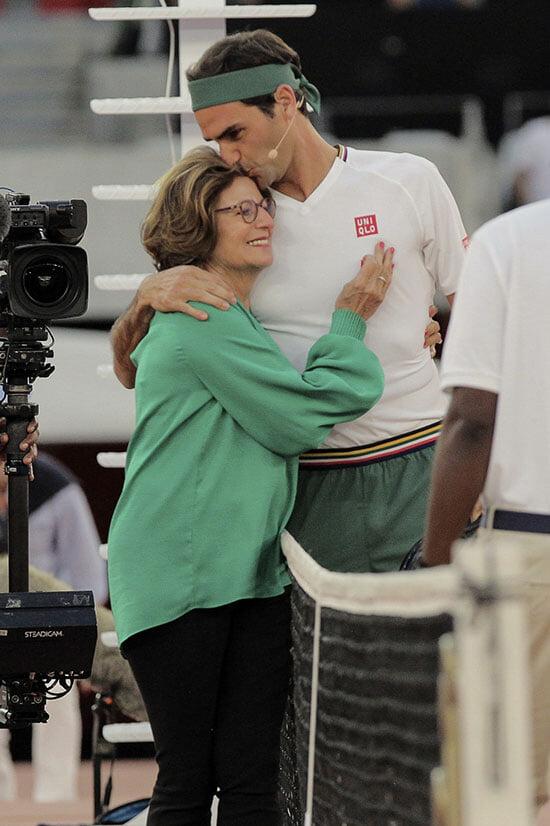 Федерер привез Надаля на родину мамы. Они собрали 52к человек, 3 млн долларов и даже станцевали