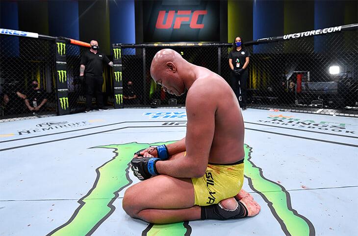 Андерсон Сильва проиграл последний бой нокаутом. Но Конор уговаривает Паука не завершать карьеру