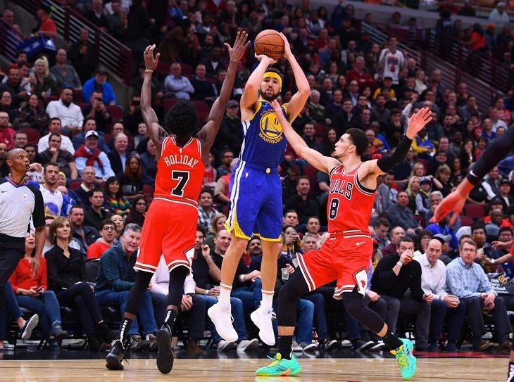 Томпсон побил рекорд Карри по числу трехочковых за матч в НБА