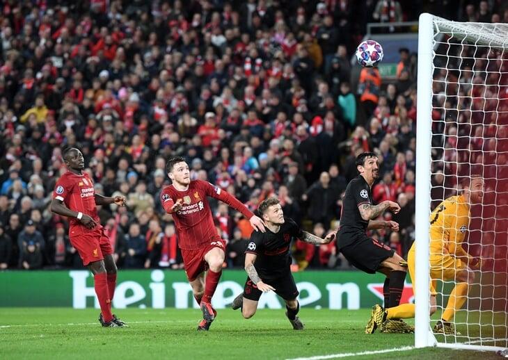 Симеоне и Клопп организовали лучшую дуэль года. «Ливерпуль» уничтожил левый фланг «Атлетико», но вылетел из-за Адриана