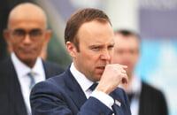 В Англии воюют из-за зарплат: игроки и профсоюз против клубов и АПЛ, министр здравоохранения против футболистов