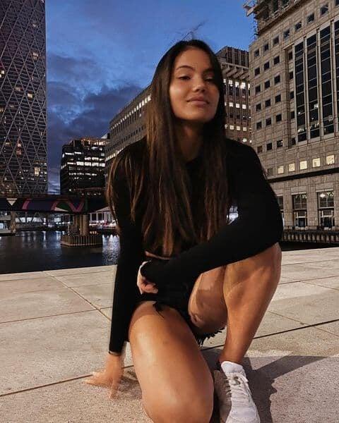 За US Open идет 18-летняя Радукану – она любит мотоциклы, только окончила школу и уже снялась для Vogue