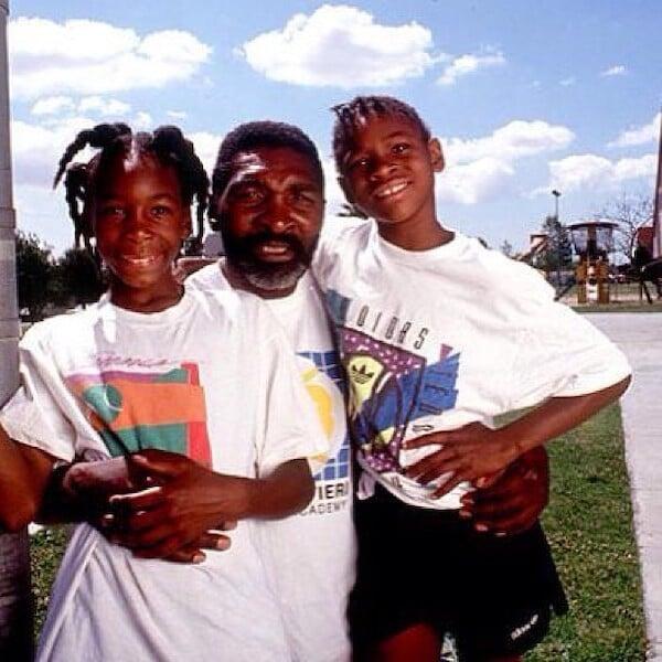 Отец сестер Уильямс грабил белых из мести за расизм и воевал с Ку-клукс-кланом. А Серену с Винус сделал теннисистками из-за денег