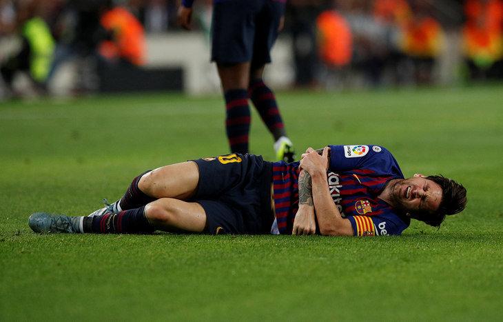«Севилья»: Месси сломал руку вматче «Барселона»