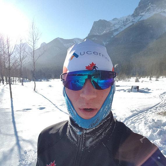 Даже хозяева в шоке, это промерзший канадец Скотт Гоу