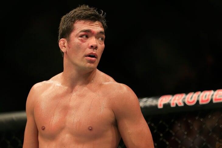Бывший чемпион UFC пьет по утрам мочу (и предлагает другим): приучил отец-каратист, а традицию завели японцы в окопах Второй мировой
