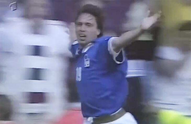 Кьезы – первые папа и сын, забившие на Евро! Красивая история, связавшая Евро-1996 и 2020