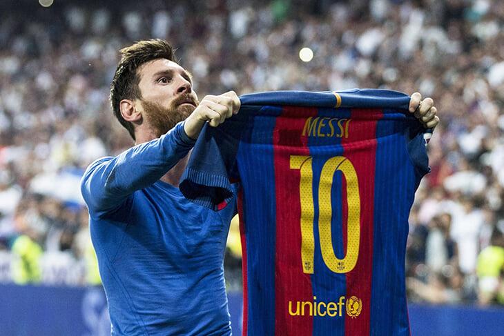 20 великих фото Месси в «Барсе»: легендарные празднования, «Золотые мячи», трио MSN и вечная гонка с Роналду