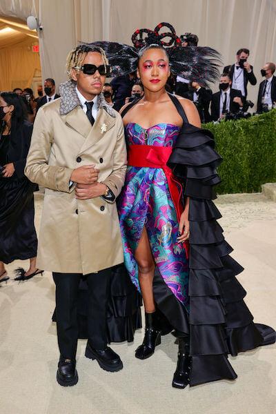 Шарапова в обнимку с Сереной, дебют Радукану в Chanel, Байлс с 40-килограммовым шлейфом – спортсмены на главной модной вечеринке года