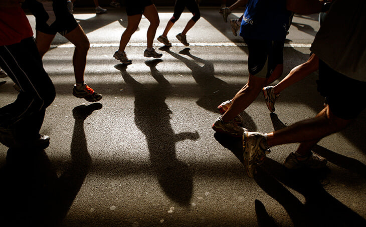 Как одеться на пробежку? Что есть во время забега? Критически важная инструкция перед первым марафоном
